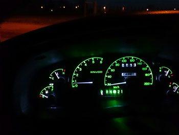 Wymiana podświetlenia deski na żarówki LED