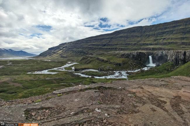Przełęcz Oxi i wodospad Folaldafoss