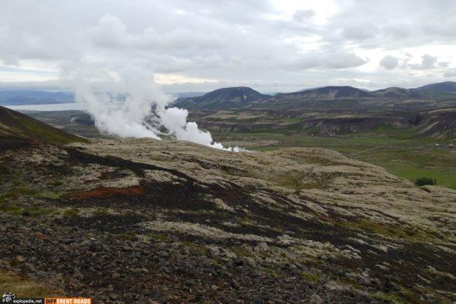 Dymiąca ziemia przy Nesjavallavirkjun