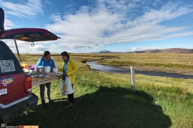 Szybkie śniadanie i w drogę - kemping Möðrudalur z widokiem na Askje