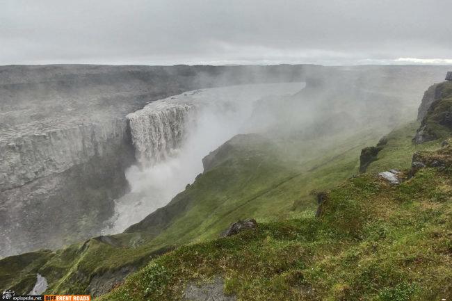 Potężny wodospad Dettifoss